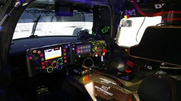 Cockpit und Lenkrad Porsche 919 Hybrid