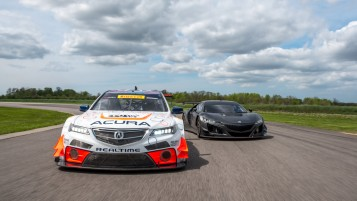 Acura NSX GT3 Program Progressing with Surprise Public Test Debu