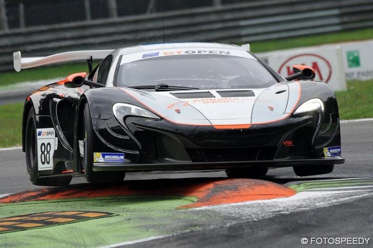 R2_McLaren88