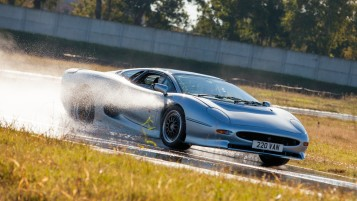 BRIDGESTONE_Don Law XJ220