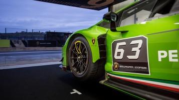 Lamborghini_Huracan_GT3_2
